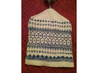 försäljning Storbritannien onlinebutik fabriker Hemstickad mössa i ull med tofs. (384514405) ᐈ Köp på Tradera