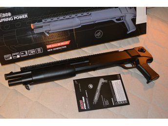 M309 Shotgun Manuell m. Pumpfunktion Svart Airsoft EE Double Eagle Ny