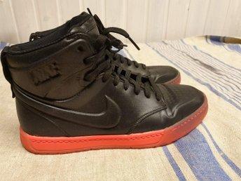 Snygga Nike Svartarosa stl 40 Innermått 25,5 c.. (363274518