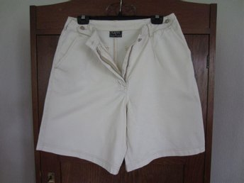 SHORTS. Stl M. Ljusbeige. KAFFE. 100% Cotton.