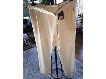 Malene Birger Vengaca Pants Soft White stlk 38 (rymlig) Ankel modell. NYSKICK!! - Borgholm - Malene Birger Vengaca Pants Soft White stlk 38 (rymlig) Ankel modell. NYSKICK!! - Borgholm
