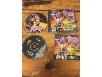 Spyro the dragon till Playstation.