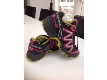 REEBOK gore tex skor strl 39 innetmått ca 25.5 cm