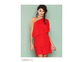 8561a97c765e One-shoulder klänning i tyll och med fina dekor.. (345936740) ᐈ Köp ...