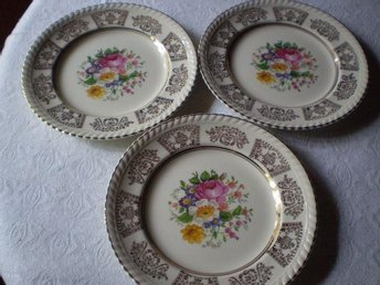 Assietter 3st med blommor Old English Johnson Bros England