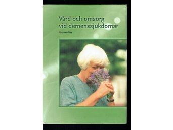 Javascript är inaktiverat. - Köping - Vård och omsorg vid demenssjukdomar - ISBN: 978-91-523-1966-6 Häftad, tryckt 2014 Fint skick inuti, inga markeringar eller anteckningar vad jag kunde se, 2 vikta hörn, lätt slitage på omslaget. OBS!! Kolla skräpposten då många mail dessv - Köping