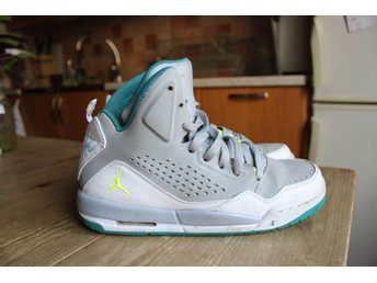 AIR JORDAN SC-3 / JORDAN FLIGHT stl Y6/38.5 i fint skick!