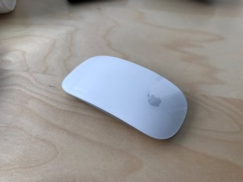 APPLE Magic Mouse  - Silver (Modell A1296)