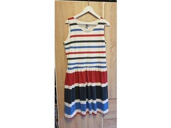 Isolde sommar klänning (L) Fint skick (397436204) ᐈ Köp på