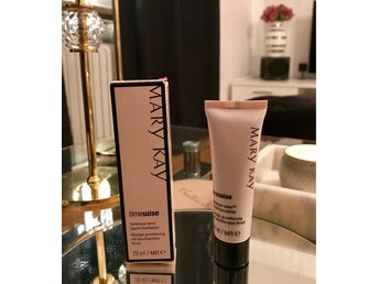 NY MARY KAY Foundation Beige 8 (normal till torr hy)