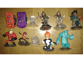 Disney Infinity 1.0 11 figurer Incredibles Pirates Cars Bilar