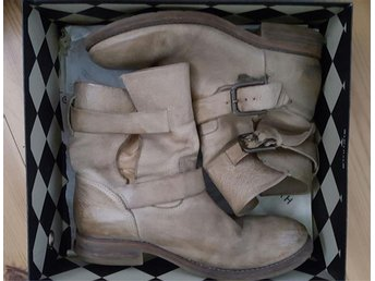 "Boots ""by KOAH"" dorothy creme mkt fint skick!"