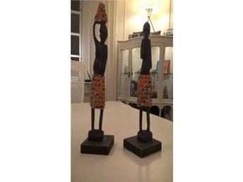 Äldre statyetter från Afrika handgjorda med fina detaljer i trä 26cm - Hammarö - Äldre statyetter från Afrika handgjorda med fina detaljer i trä 26cm - Hammarö