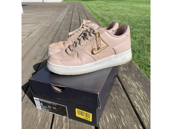 AIR FORCE 1 '07 Lux Sneakers rosa
