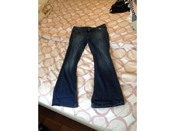 Snygga jeans bootcut stl 44