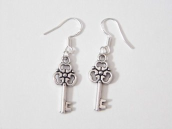 Nyckel örhängen / Key earrings