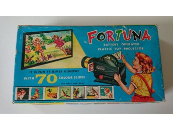 Fortuna Plastic Battery Operated Projector, 50-tal