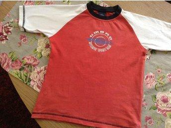 Umbro t-shirt sport siffran 5 tryckt bak röd/vit fotboll 128 - Visby - Umbro t-shirt sport siffran 5 tryckt bak röd/vit fotboll 128 - Visby