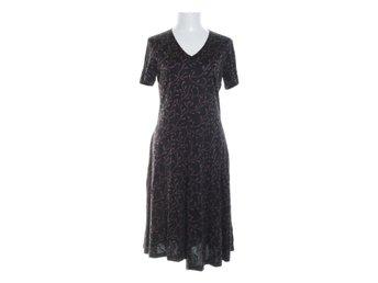 svart klänning från vamlingbolaget