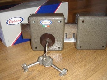 LÅS POTENT 275(Italy) .High Security 6- Motion Pump  Lock With  3 Keys
