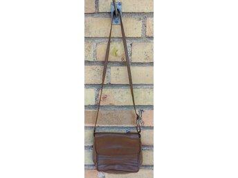 Väskor ᐈ Köp Väskor online på Tradera • 34 416 annonser
