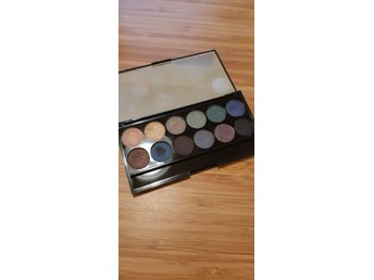 Sleek I-Divine Mineral Based Eyeshadow Palette Arabian Nights Smoke&Shadows 320