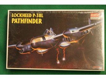 Academy 1/48 P-38L Pathfinder - Lund - Academy 1/48 P-38L Pathfinder - Lund