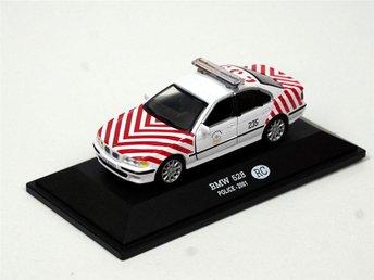 Polisbil BMW 528 Kina 1:43 från samling Present Polis Polisstuderande - Varnhem - Polisbil BMW 528 Kina 1:43 från samling Present Polis Polisstuderande - Varnhem