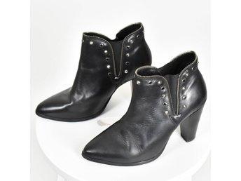 Svarta boots från KOAH, strl 40