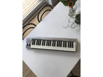 Midi keyboard - M Audio Keyrig 49