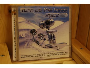 2 CD Turn up the bass 2002
