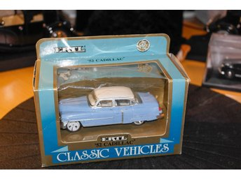 Cadillac 1952(1:43)ERTL classical vehicles