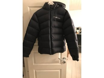 Sail Racing Gravity Down Jacket 999 Carbon i stolek L