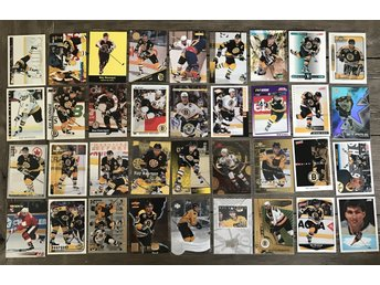 LOT! Ray Bourque 36st Hockeykort + pärm NHL Boston Bruins Hockeybilder
