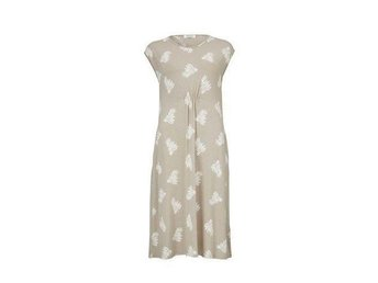 fd3350432e29 Härligt somrig röd /vit blommig Masai klänning .. (348650753) ᐈ Köp ...