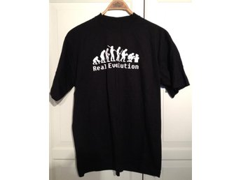 T-shirt med Real Evolution tryck svart XL