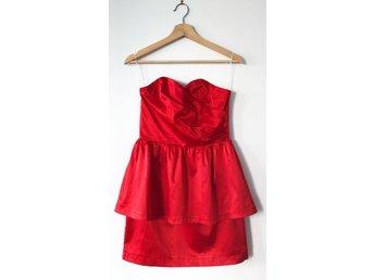 Klänning röd satin från BikBok stl S (413144797) ᐈ Köp på