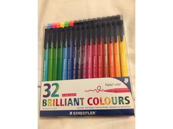Staedtler 32 st Triplus Color tuschpennor