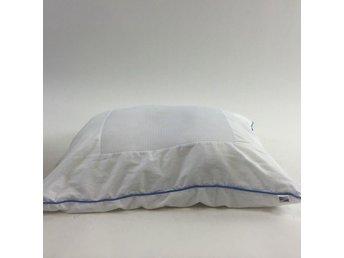 Kuddar Eightmood : Märke saknas kudde blå skick normalt på tradera täcken och