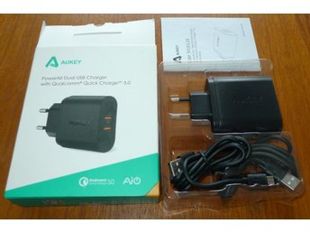 Aukey Dual USB laddare med Qualcomm Quick Charge 3.0 NY