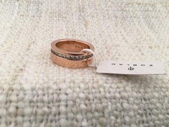 Edblad - MALIN Ring  roségold - Medium/17.5 mm. Nytt.