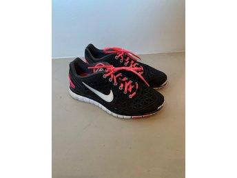 Nike Free fit 2, svarta, fint skick, 37,5