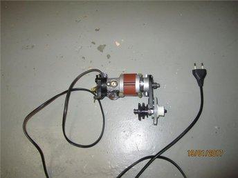 Motor+Reduktionsväxel till Husqvarna symaskin modell 2000/6030 - Boden - Motor+Reduktionsväxel till Husqvarna symaskin modell 2000/6030 - Boden