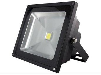 LED strålkastare 30w svart - Kode - LED strålkastare 30w svart - Kode