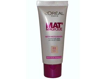 Loreal Paris Mat Magique  Foundation, Light Sand 03