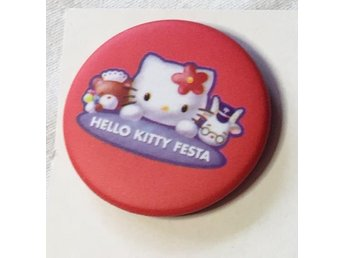 HELLO KITTY. Badge ,nålmärke. diameter 32mm