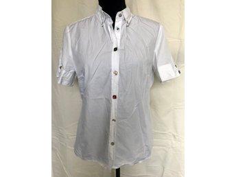 Hugo ᐈ Köp Skjortor   blusar för dam online på Tradera • 17 annonser a4cf9161f7900