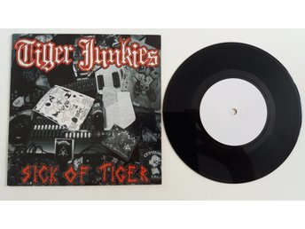 TIGER JUNKIES Sick of Tiger DISCHARGE,MOTORHEAD,TOXIC HOLOCAUS,INEPSY,DISHAMMER