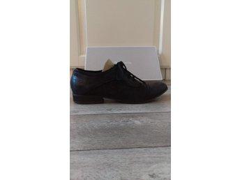 7fe699c203d5 Tamaris sko i skinn (331865609) ᐈ Köp på Tradera