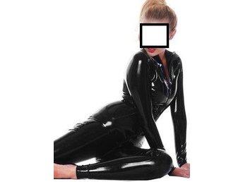 Svart latex catsuit - Gislaved - Svart latex catsuit - Gislaved